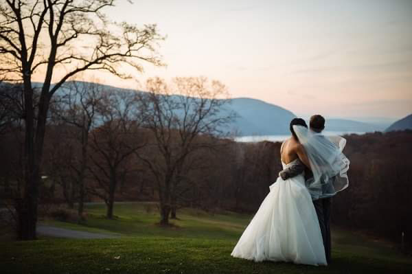 How to Choose the Best Wedding Photographer?