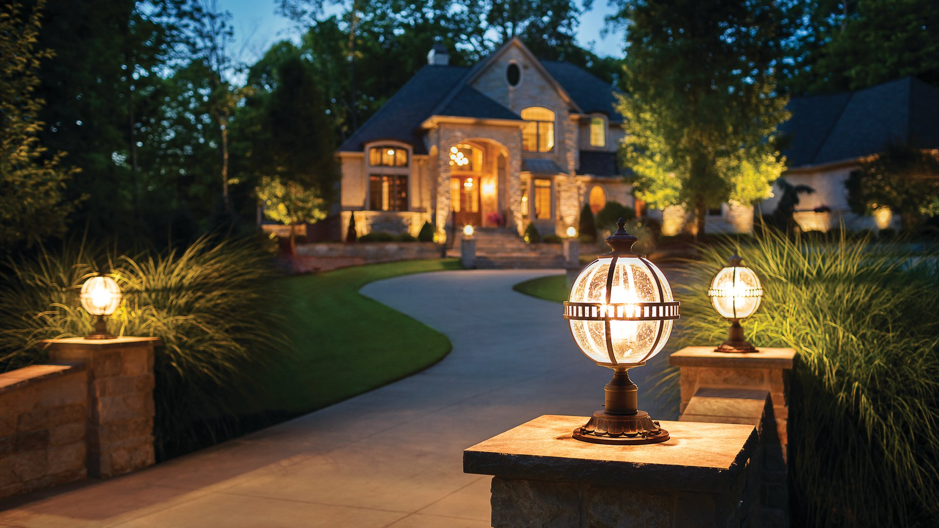 Why you Need Spotlight Outdoor Blinds?
