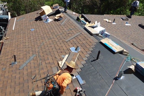 5 Compelling Benefits Of Installing Asphalt Shingle Roofing In Your Home