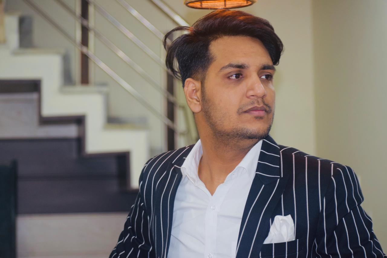Entrepreneur Rajat Singla is Carving his Niche hard in Digital Marketing Industry by being a powerful social media influencer and celebrity manager